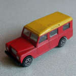 1:47 Burago Land Rover series II 109 lwb Loose Diecast red yellow roof @sold@